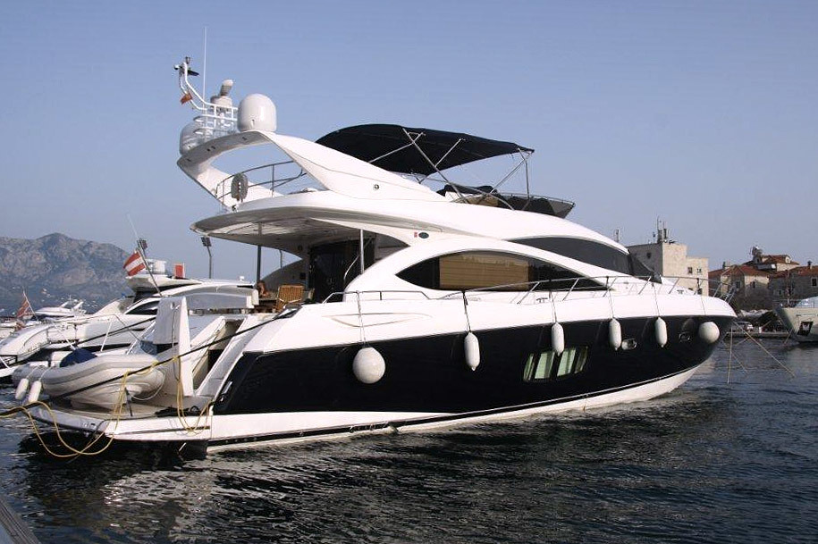 Экстерьер Sunseeker Manhattan 70